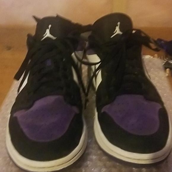 Jordan 1 Air Court purple (lightly worn)